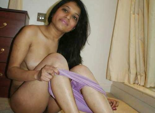 Indian Desi Bhabhi Nangi Photos Chudai Photos Of Housewife Aunty Pics